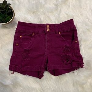 Refuge woman's distressed shorts size 2